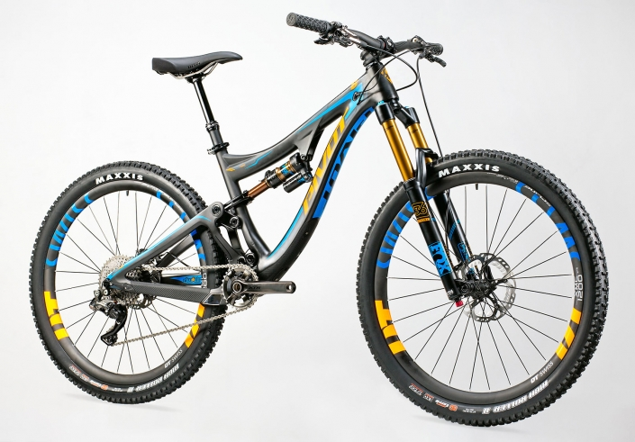 Product photography of Pivot Cycles, Mach 6 mountain bike with Maxxis tires and DT Swiss wheels by Phoenix commercial photographer Jason Koster.